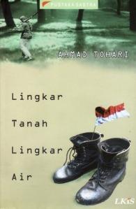 sumber gambar http://www.goodreads.com/book/show/2190735.Lingkar_Tanah_Lingkar_Air